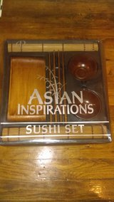 11 piece wooden Sushi set, never used in Clarksville, Tennessee