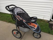 Graco Fastaction Fold Jogger Jogging Click Connect Stroller in Fort Campbell, Kentucky
