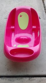 "16""x32"" Baby Basin See Picture For Wear in Kingwood, Texas"