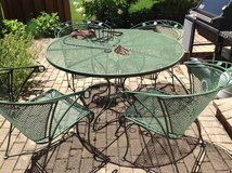 Patio Table and Chairs in Bartlett, Illinois