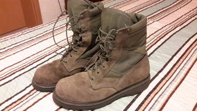 Military Boots 9,5 in Ramstein, Germany