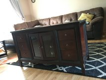 Tv Stand in Naperville, Illinois