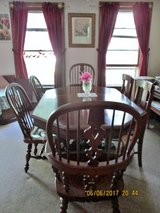Oak Dining Room Table and 6 chairs in DeKalb, Illinois