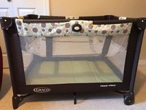 GRACO pack n play with bassinet in Camp Pendleton, California