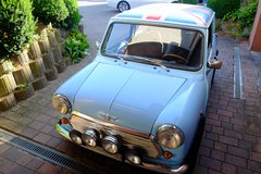 Classic Austin Mini Cooper Union Jack Flag Rover 1000 Small Car in Wiesbaden, GE