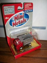 Mini Metals HO Scale '53 White 3000 Dump Trunk in Chicago, Illinois