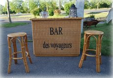 brand new bar with 2 sturdy bar stools in Spangdahlem, Germany