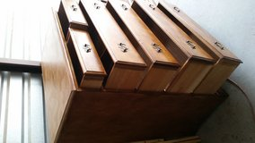 All wood chest of 6 drawers in very good condition in Fort Bliss, Texas