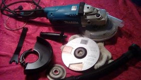 Makita 7 inch angle grinder in Kingwood, Texas