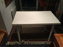 White Desk/Work Table in Stuttgart, GE