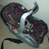Graco car seat with base in Alamogordo, New Mexico