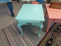 end table queen anne style shabby chic in Wilmington, North Carolina