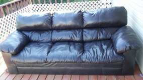 FOR SALE COUCH in Fort Leonard Wood, Missouri