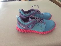 girls sz.2 reebok shoes (new) in Pleasant View, Tennessee