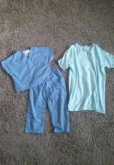 Toddler scrubs and patient gown (dress up) in Clarksville, Tennessee