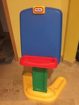 Little Tikes Paper Clip Easel in Morris, Illinois