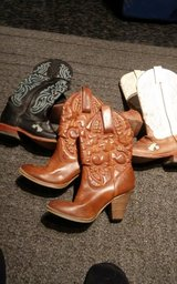 Ladies size 6 1/2 leather boots in Alamogordo, New Mexico
