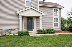 3 bedroom, 2.5 bath extra large yard with privacy fence in Chicago, Illinois