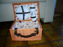 picnic basket new in Ramstein, Germany