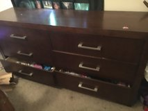 6 drawer dresser with mirror sturdy in Fort Campbell, Kentucky