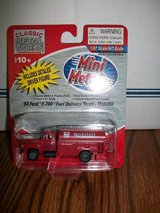 Mini Metals HO Scale '54 Ford F-700 Fuel Delivery Truck-Mobil Oil in Chicago, Illinois