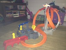 Hot Wheels Spin Storm Playset in Perry, Georgia