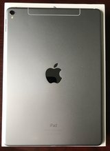 Space grey iPad wifi + cellular 32 GB in Naperville, Illinois