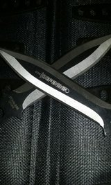 Throwing knives in Fort Polk, Louisiana