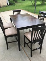 Brown Table & 5 Chairs in Elgin, Illinois