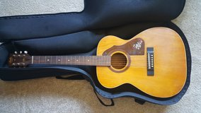 Stella Harmony Acoustic Guitar H940 in Elgin, Illinois