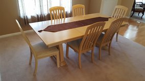Dining Room Table and 8 chairs in Oswego, Illinois