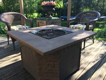 : ) AGIO FIRE PIT TABLE W/Propane Tank Included >>> Very Nice !!! in Naperville, Illinois