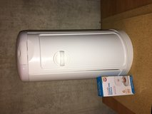 Munchkin diaper pail and liner in Plainfield, Illinois