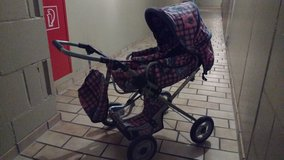Kids doll stroller with matching diaper bag in Stuttgart, GE
