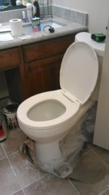 18 inch toilet for sale in Fort Polk, Louisiana