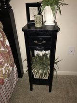 BLACK ACCENT TABLE in Kingwood, Texas