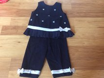 Girls outfit size 6 in Naperville, Illinois