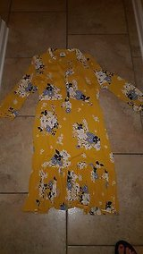 NWOT Womens Old Navy Yellow Floral Print Ruffled Hem Dress Size Large in Fort Polk, Louisiana