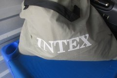 Used Intex Inflatable Full Airbed Twin Dura-Beam Plus Air Mattress Bed AP619A in Kingwood, Texas
