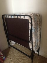 Roll away bed (twin) in Naperville, Illinois