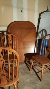 quality table and 6 chairs in Naperville, Illinois