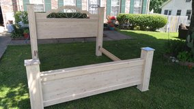 King size sleigh bed frame in Fort Campbell, Kentucky