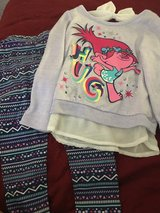 Trolls outfit size 5 in Fairfield, California