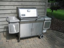 WEBER GENESIS PLATINUM PROPANE GAS GRILL with 2 Propane Tanks in Chicago, Illinois