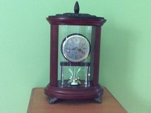 Tabletop clock from Bombay company, works on AA batteries . in Plainfield, Illinois