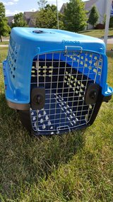 Small dog crate/ carrier in Naperville, Illinois