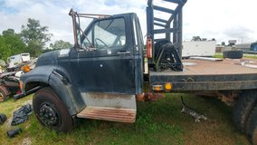1995 ford winch truck in Conroe, Texas