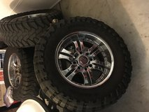 (4) 37/13.50/R20 chrome wheels and tires 8lug in Camp Pendleton, California