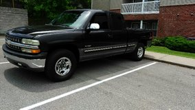 1999 Chevy z71 extended cab 4x4 in Fort Campbell, Kentucky