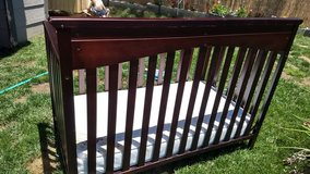 Graco infant/toddler crib in Vista, California